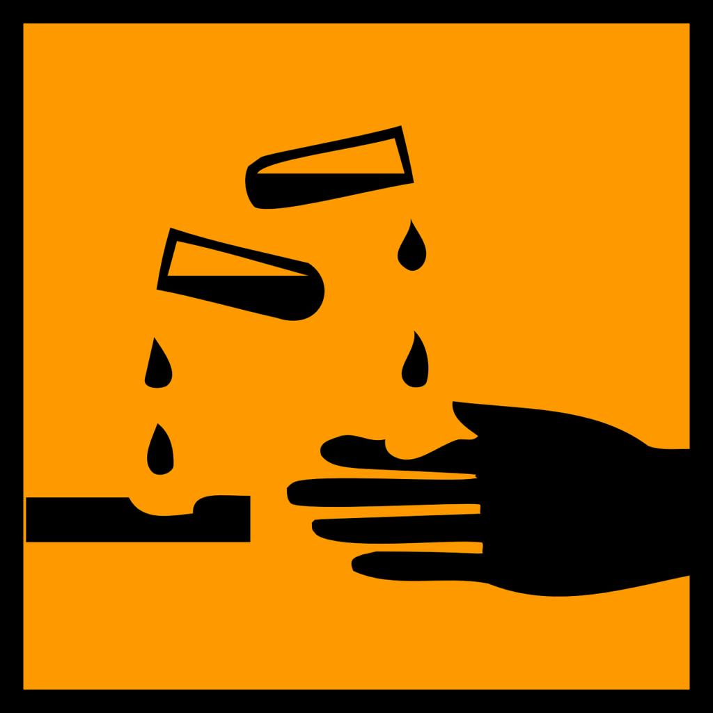 Gefahrenzeichen ätzend korrosiv, Herkunft Pixabay
